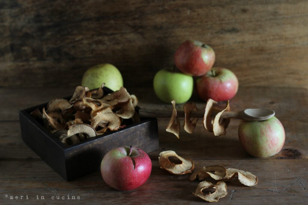 mele essiccate - apple chips
